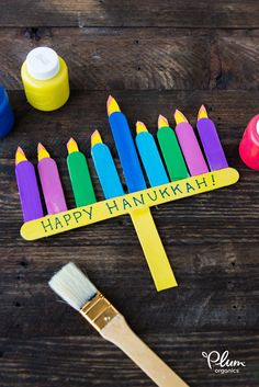 Get the kids crafting this Hanukkah. Set them up with supplies to make their own Menorah! #PlumOrganics