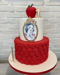 """Maria's Cakes And Cookies on Instagram: """"#snowwhite #snowwhitecake #birthdaycake #1stbirthday #1stbirthdaycake #birthdaygirl #cakedecorating #cake #cakeart #cakedesign #cakedesigner"""" Snow White Cake, Girl Birthday, Birthday Cake, Cake Art, Cake Decorating, Cakes, Desserts, Instagram, Food"""