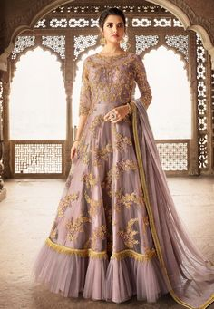 Looking to buy Anarkali online? ✓ Buy the latest designer Anarkali suits at Lashkaraa, with a variety of long Anarkali suits, party wear & Anarkali dresses! Robe Anarkali, Costumes Anarkali, Silk Anarkali Suits, Lehenga Choli, Salwar Suits, Cape Lehenga, Sharara Suit, Designer Anarkali, Party Wear Dresses