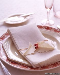 Felt Holly Leaf napkin holders.  All different colors could really make a holiday table pretty!