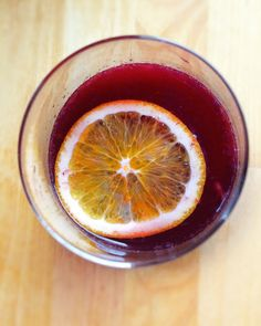 Barcelona Sangria is super easy to make. Fresh OJ, canela & a medium body red are all it takes. | One tomato, two tomato