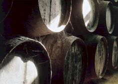 How Do Sherry Casks Flavour Whisky? - The Whisky Professor Sweet Wine, Scotch Whisky, Wine Making, Types Of Wood, The Duff, Wines, Professor, Bottles, Rocks