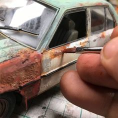 Artist recreates people s childhood memories with realistic dioramas and the result will amaze you model cars tips tricks ~ plastic car models tutorial car models tutorial Design Set, Scale Models, Corvette Cabrio, Train Miniature, Miniature Crafts, Carl Benz, Bmw Isetta, Rc Tank, Scale Art