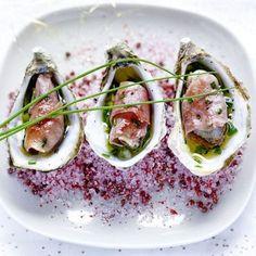 Huîtres snackées au Jambon de Bayonne, sauce vierge de ciboulette à l'huile de truffe