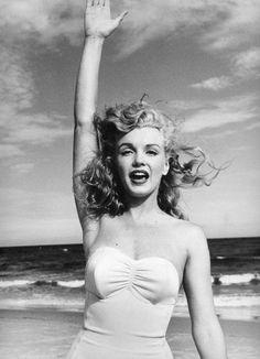 1949 Andre' De Dienes, Toby Beach 110/01a. Image 83-138