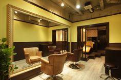 Beauty salon interior design ideas | + hair + space + decor + designs + Tokyo + Japan | Follow us on https://www.facebook.com/TracksGroup <<<【OAO セットエリア】アンティーク 美容室 内装