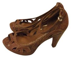 Vince Camuto Leather Detail Open Toe brown Formal