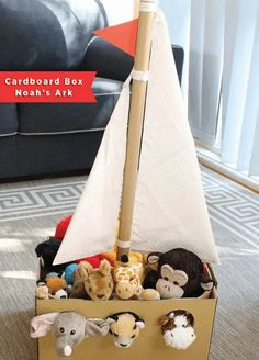 21 Awesome Cardboard Arts and Crafts Ideas for Kids Easy Diy Crafts, Crafts To Do, Diy Craft Projects, Crafts For Kids, Arts And Crafts, Simple Projects, Cardboard Crafts Kids, Toilet Paper Roll Crafts, Cardboard Art
