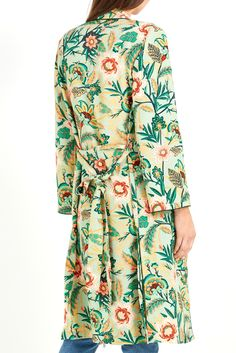 Cotton On Women Pj Kimono Colour persia floral jade Product Details - Loose fit - Long sleeves - Belt loops - Patch pocket - Hemline with side splits - Machine Wash as per care label MODEL WEARS SIZE S | AU 10 | US 6 | EU 38 100% VISCOSE Product Code 2003322-03