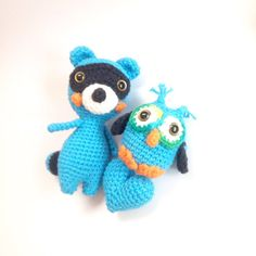 Amigurumi Raccoon Amigurumi Owl with Crochet Heart by AmiAmiGocco