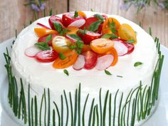 Cake with carrot and ham - Clean Eating Snacks Sandwhich Cake, Sandwich Torte, Raspberry Smoothie, Apple Smoothies, Tortillas Veganas, Pear Cake, Pear Recipes, Salty Cake, Tea Sandwiches