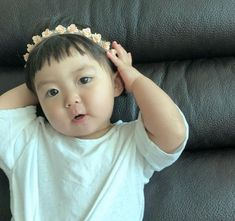 Cute Asian Babies, Korean Babies, Asian Kids, Cute Baby Meme, Cute Baby Girl Pictures, Baby Tumblr, Ulzzang Kids, Cute Cartoon Characters, I Love You Baby