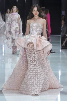 Ralph & Russo Spring 2018 Couture: I can see this gown on the red carpet! I love how unique the gown is with the voluminous ruffle detail!