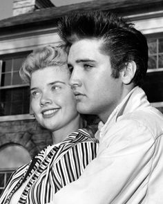 ♡♥Elvis 22 is with Yvonne Lime for the Easter holiday weekend at Graceland on April 19th,1957♥♡
