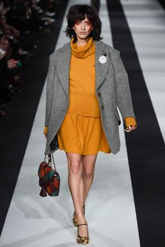 Vivienne Westwood Red Label Fall 2015 Ready-to-Wear Fashion Show