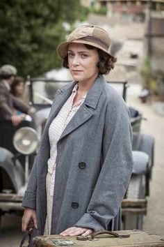 ITV have today released promotional pictures for the first episode of their new adaptation of Gerald Durrell's riveting accounts of his life in Corfu before the Second World War. 30s Fashion, Vintage Fashion, Film Fashion, James Cosmo, The Durrells In Corfu, Gerald Durrell, The Other Boleyn Girl, Bbc Drama, We Wear