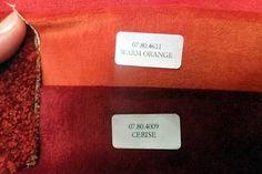 De Hema heeft velours gordijnen in o.a. de kleuren cerise en warm oranje, die beiden bij de vloerbedekking kleuren. Velours is een katoenen poolweefsel met glad oppervlak en met korte loodrecht op het weefsel staande, ingeweven poolgarens. Velours is zwaarder dan fluweel en wordt gebruikt voor gordijnen en meubelbekleding.