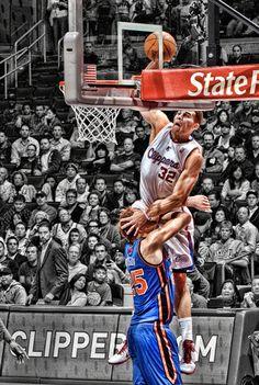 Blake Griffin posterizing Timo Mozgov