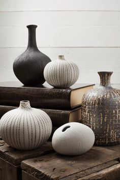 Decoration in white and dark colors with different ceramic bottles and vases Ceramic Tableware, Ceramic Clay, Ceramic Vase, Ceramic Pottery, Swedish Decor, Swedish Design, Scandinavian Design, Clay Design, Design Crafts