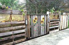 Pallet Fence Ideas