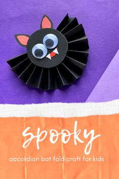 Spooky accordion fold bat craft for kids Fall Arts And Crafts, Halloween Arts And Crafts, Halloween Crafts For Toddlers, Homemade Halloween Decorations, Fall Crafts For Kids, Paper Crafts For Kids, Halloween Activities, Halloween Party Decor, Halloween Diy