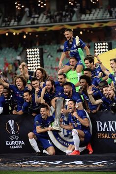 we did it again💪 chelsea chelseafc baku europa 2019 Chelsea Football Club, Chelsea Team, Chelsea Wallpapers, Chelsea Fc Wallpaper, Real Madrid Football, Football Fans, Gary Cahill, Eden Hazard Chelsea, Tattoo