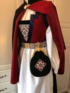 Folk Costume, Costumes, Norwegian Clothing, Color Shapes, Beautiful Blouses, My Heritage, Traditional Outfits, Genealogy, Norway