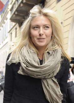 Maria Sharapova in Milan -03 - Posted on December 1, 2012