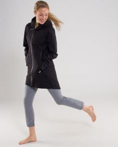 Rain coat at lululemon... want so badly