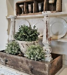 Vintage Farmhouse Decor Fabulous Shabby Chic Farmhouse Living Room Decor Ideas 41 - An open family room and kitchen where the family eats is designed in charming farmhouse style which makes it a […] Shabby Chic Vintage, Shabby Chic Farmhouse, Country Farmhouse Decor, Shabby Chic Kitchen, Shabby Chic Homes, Farmhouse Table, Farmhouse Candles, City Farmhouse, Modern Farmhouse