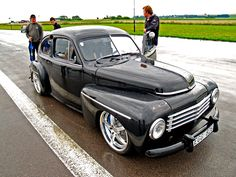 Volvo PV544. This one is SWEET. ET(classicvolvorestoration.com) Carlin I agree! I like the way old & new meet.