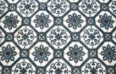 azulejo_apartment_closeup