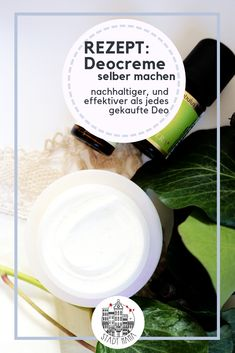 Schönheitstipps Doing a natural cosmetic deodorant cream yourself is easier than you think. Faux Snow, Wedding Plates, Christmas Wreaths To Make, The Fragile, Natural Make Up, Few Ingredients, Natural Cosmetics, Diy Garden Decor, Unique Weddings