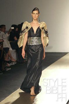 modern filipiniana Filipiniana Dress, Formal Wear Women, Beauty Pageant, Filipina, Fashion Wear, Style Guides, Evening Gowns, Party Dress, Fashion Guide