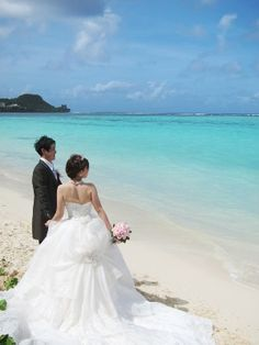 グアムでのウェディングフォトは海と空をバックに♡グアムでの結婚式一覧♪ウェディング・ブライダルの参考に!