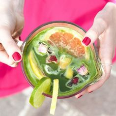 Supermodel's Summer KISSA: Recipe for refreshing summer lemonade with matcha from KISSA Tea, perfect for your summer picnic or BBQ // Rezept für erfrischende Sommer-Limonade mit Matcha von KISSA Tea. Perfekt für dein Sommerpicknick oder BBQ
