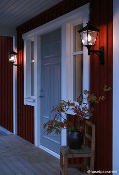 Köp Norlys London vägglampa med lykta uppåt svart 52cm | StayHome.se