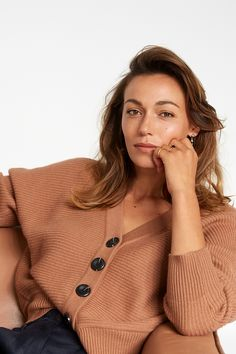 Cosy knits are here and it doesn't get much cosier than the Kiri Cardi. An instant wardrobe favourite, the Kiri features loose sleeves in an oversized, relaxed silhouette with a ribbed knit texture. We've made the Kiri in a soft and sustainable ZQ Merino, the world's most ethical merino wool. New Zealand Winter, Fashion Outfits, Womens Fashion, Fashion Trends, Batwing Sleeve, Bat Wings, Looking For Women, Cosy, Merino Wool