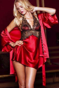 Baby Doll y Kimono. La suavidad, elegancia y el color rojo hacen de esta prenda una opción muy sensual y delicada.