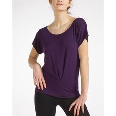 The Temps Danse® Barbade T-shirt, with its casual and trendy cut, stays in place on your hip during your exercises thanks to the nice pleat on the bot