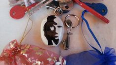 Saxophone Player or Beautiful Woman Optical Illusion Fridge Magnet, River Pebble Magnet, Original Stone, Keychain Unique Surprise Charm Gift