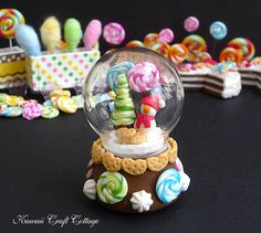 Dolls and Miniatures, Miniature, Dollhouse Miniature, Doll house, Snow globe, Glass globe, Holiday, Snowman, Wonderland, Miniatures, Christmas, lollipops, Lollipop, Dollhouse, handmade, polymer clay, Snow, Globe, Glass, Dome, Candy, Gift, Display, Cookie, Biscuit, Swirl, Candies, Barbie, Jenny, Blythe, Dal, Kawaii, Cute, Pullip, Licca, 1:6 scale, 12 inch dolls, accessories, accessory
