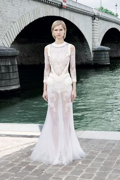 Givenchy Fall 2011 Couture - Review - Fashion Week - Runway, Fashion Shows and Collections - Vogue - Vogue