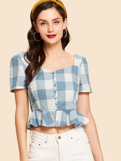 Button Up Ruffle Hem Plaid Blouse -SheIn(Sheinside) Crop Top Outfits, Trendy Outfits, Fashion Outfits, Look Fashion, Korean Fashion, Myanmar Dress Design, Moda Vintage, Aesthetic Clothes, Blouse Designs