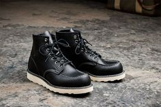 Red Wing London Moc Toe Boots 8130