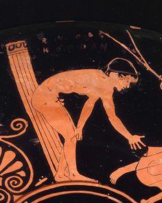 Penthesilea Painter (fl. c. 470 - 450 BCE), Museum of Fine Arts, Boston 28.48 (460-450 BCE). Red-figure kylix. Side A detail left.