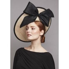 Natural straw sidesweep hat with black fine straw bow Rachel Trevor Morgan Ah, it's glorious! It deserves a standing ovation xx Wedding Hats For Guests, Bandana, Nylons, Rachel Trevor Morgan, Occasion Hats, Types Of Hats, Ascot Hats, Church Hats, Fancy Hats