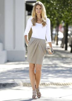 I would wear a skirt like this to work if it was a few inches longer.