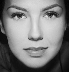 Thalia (Ariadna Sodi Miranda) my ultimate crush ♥ Divas, Classic Beauty, Timeless Beauty, Thalia Sodi Collection, Angelina Jolie Pictures, Talia, Latin Women, Hot Brunette, Female Singers