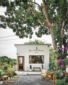 Outdoor Cafe, Outdoor Restaurant, Cafe Restaurant, Restaurant Design, Cafe Shop Design, Coffee Shop Interior Design, Small Cafe Design, Mini Cafe, Small Coffee Shop
